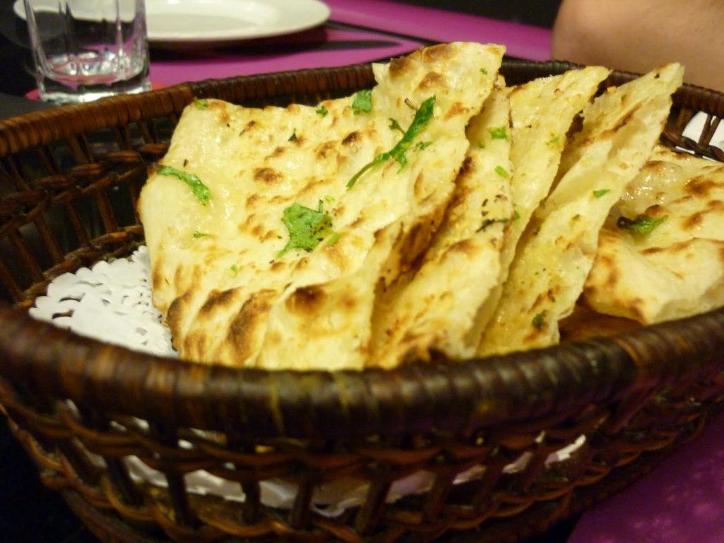 Little Raaja Indian Restaurant - Naan